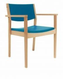 Houten zaal en kerkstoel gestoffeerd