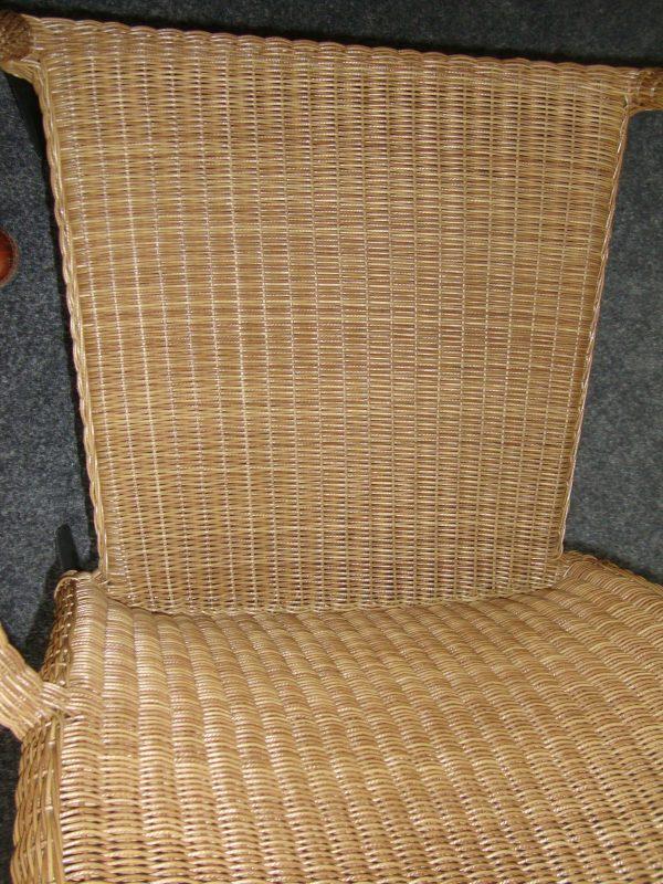 Stapelbare stoel kunststof vlechtwerk