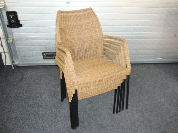 Stapelbare stoel, vlechtwerk